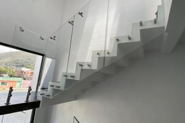 Escalera de Cristal Templado 3 niveles, Ixtapaluca, Estado de México